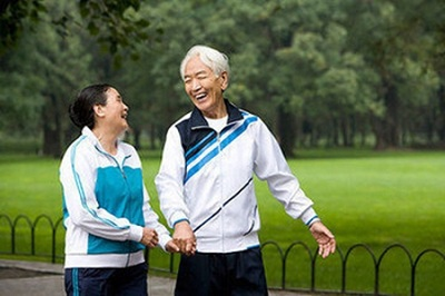 老年人日常保健的几个最佳时间
